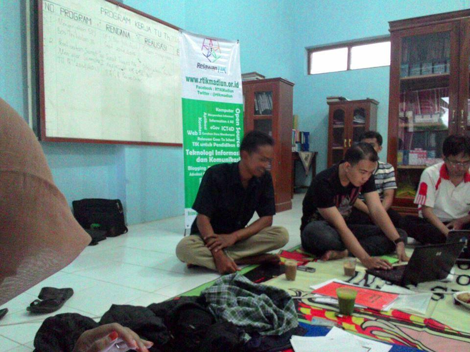 SINEBAR, Ciptakan kelas belajar bersama komunitas sekolah dan desa di Madiun