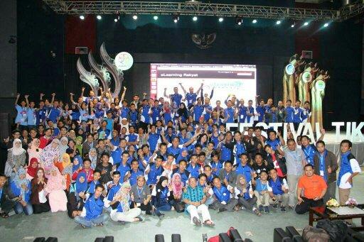 Relawan TIK Madiun hadiri Festik Bandung 2015